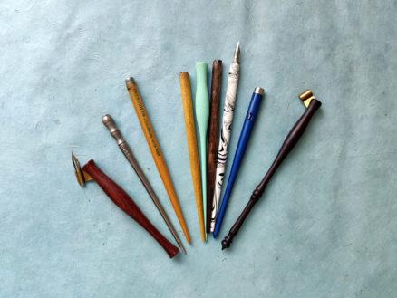 Les Apprentis Lettreurs - Porte-plumes pour la calligraphie anglaise mais aussi gothique, arabe, arménienne, onciale...